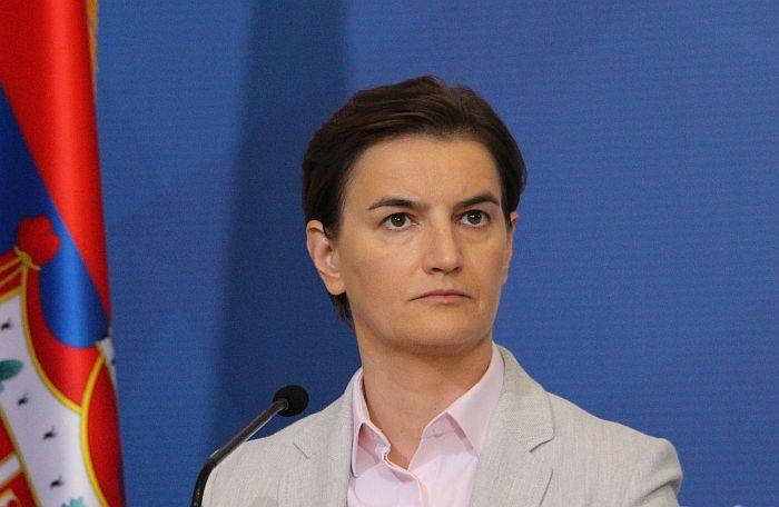 Brnabić: Na molbu predsednika, povlačimo odluku o informisanju tokom pandemije virusa korona
