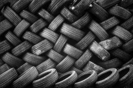 VIDEO: Zapalilo se najveće odlagalište guma za automobile na svetu