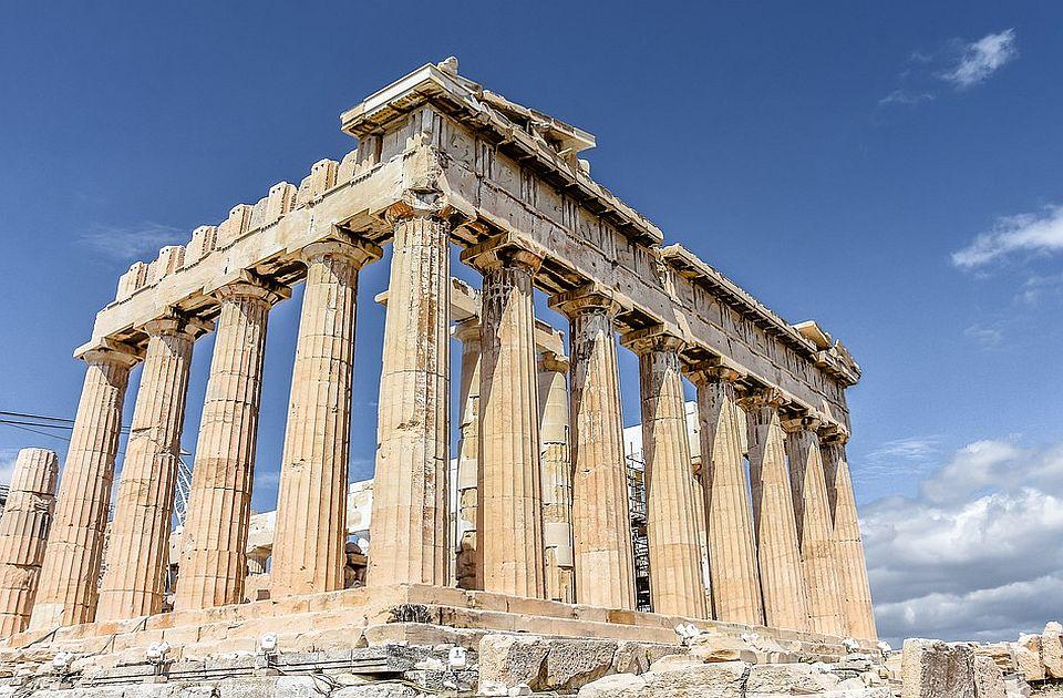 Akropolj i druge turističke atrakcije zatvorene zbog vrućine