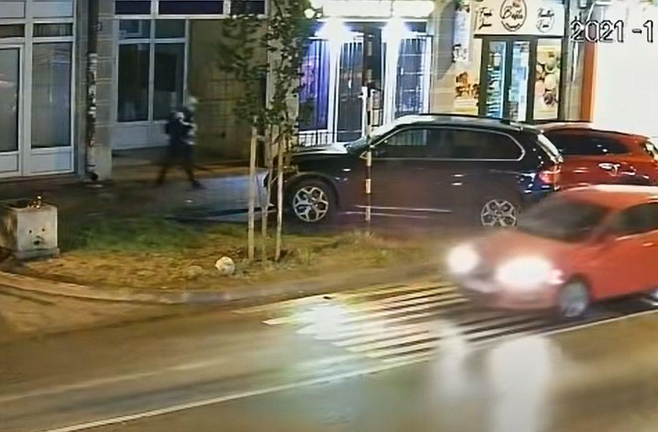 Bez pritvora za osumnjičenog za paljenje vozila u Stražilovskoj, prepucavanje SNS i NS zbog Snajpera