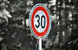 Moguće ograničenje brzine u gradovima na 30 km/h