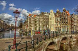 Šetnja ulicama Amsterdama sa Slađanom Velendečić večeras u Radio kafeu