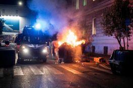 FOTO, VIDEO: Novi nasilan protest u Rimu zbog mera protiv virusa korona