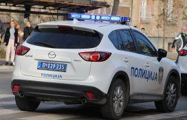 Novosađanin uhvaćen dok je krao ratkapne sa vozila na Detelinari