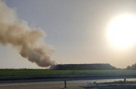 FOTO: Ponovo gori deponija u Staroj Pazovi, poslednji put dim i smrad stigli do Novog Sada