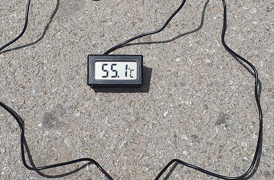 FOTO: Novosađanin izmerio temperaturu asfalta u gradu - iznad 55 stepeni Celzijusa