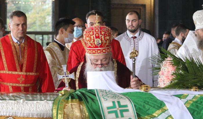 FOTO: Patrijarh Irinej sahranjen u Hramu Svetog Save
