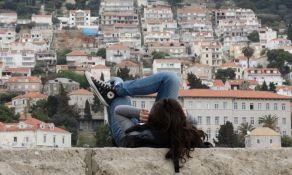 Istraživanje: Mladi nezadovoljni, ali ne žele da menjaju stvari već da odu iz zemlje