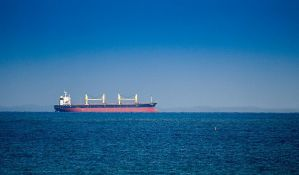 Iranski tanker pogođen raketama, cena nafte drastično skočila