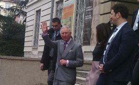 Princ Čarls ima virus korona