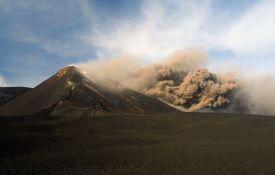 VIDEO: Dođu da vide Etnu, a za sobom ostave gomile smeća