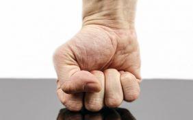 Krivične prijave protiv četvorice maloletnika i dvojice muškaraca zbog tuče u Kovinu