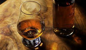 Veća doza alkohola i cigarete ubrzava starenje mozga