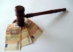 Desetine hiljada tužbi protiv banaka jer su naplaćivale obradu kredita