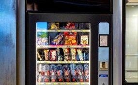 Šarčević: Automatima za grickalice i energetska pića nije mesto u školama