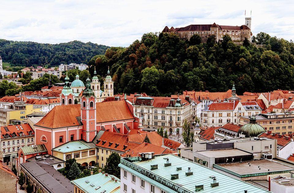 Slovenački ugostitelji od ponedeljka proveravaju kovid sertifikate