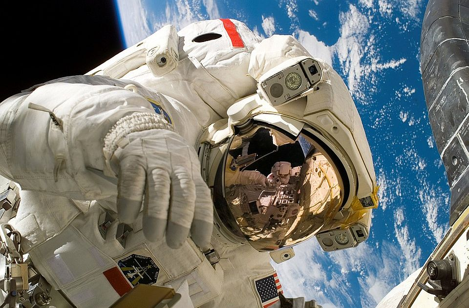 Promenjena pravila: Bezos i Brenson nisu astronauti
