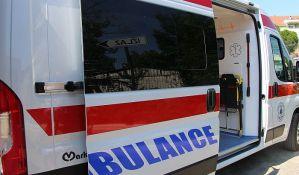 Žena teško povređena u sudaru kamiona i automobila u Sremskoj Kamenici