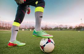 Mladi fudbaler zamenjen posle 15 sekundi igre