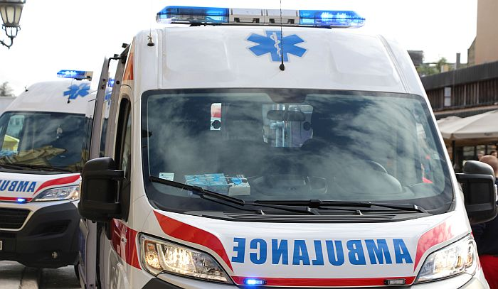 Vozilo Hitne pomoći usmrtilo ženu na putu kod Pirota