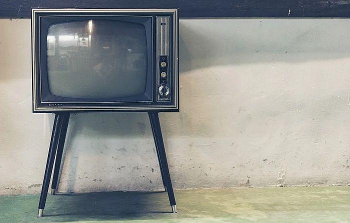 Celo selo ostajalo bez interneta zbog starog televizora