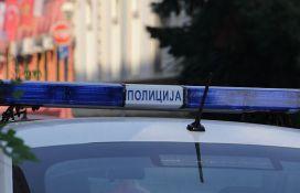 Devojka uhapšena nakon pljačke prodavnice u Šapcu, prodavačici pretila pištoljem