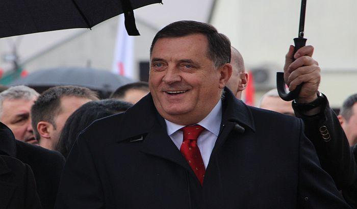 Političari iz BiH najplaćeniji u regiji