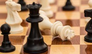 Šahista izbačen sa turnira, jer je varao uz pomoć telefona