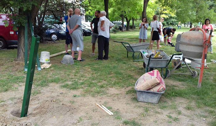 FOTO: Stanari Limana blokirali radove Gradskog zelenila