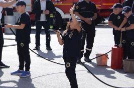 FOTO: Ovo su najmlađi dobrovoljni vatrogasci u Novom Sadu, društvima donirana vozila i oprema