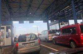 Zatvoreno uključenje na auto-put prema Novom Sadu od Horgoša, bez većih gužvi na putevima u Srbiji