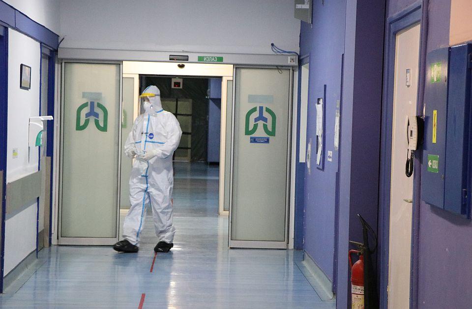 Sve više zaraženih u kovid bolnici u Novom Sadu, na respiratorima 26 teških slučajeva