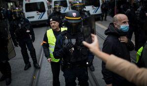 Makron povukao zakon o snimanju policajaca nakon protesta tokom vikenda