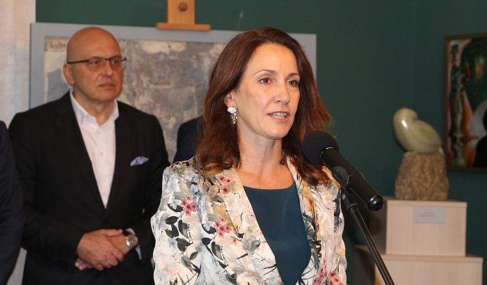 Upravnica Galerije Matice srpske Tijana Palkovljević Bugarski odlikovana francuskim ordenom