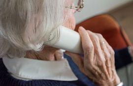 Ženi od 90 godina telefonskom prevarom uzeli 32 miliona dolara