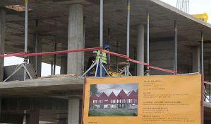 FOTO: Napreduje gradnja ambulante na Adicama, do kraja marta gotova prva faza radova