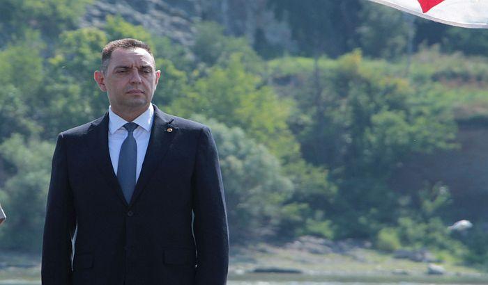Ministarstvo odbrane: Netačne tvrdnje da je Vulin smenio oficira uzbunjivača