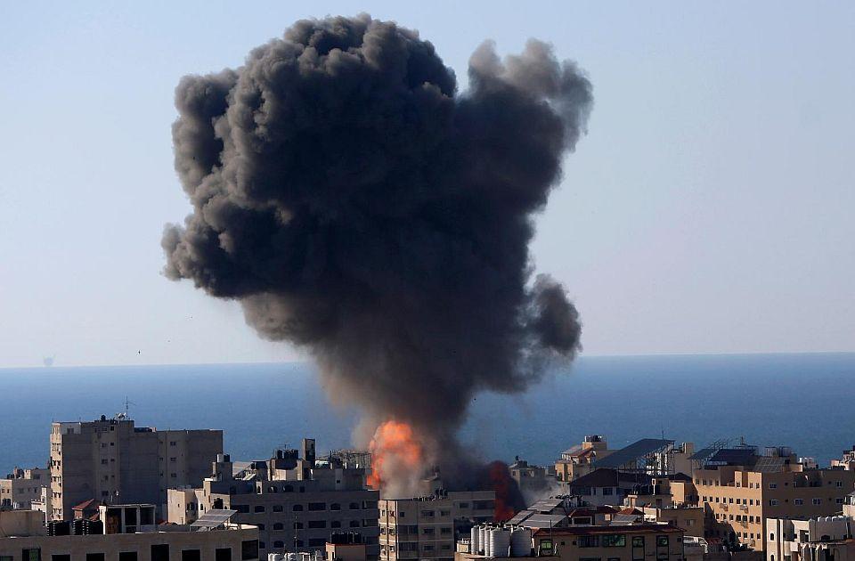 Izrael nastavio bombardovanje položaja Hamasa, civili ginu na obe strane