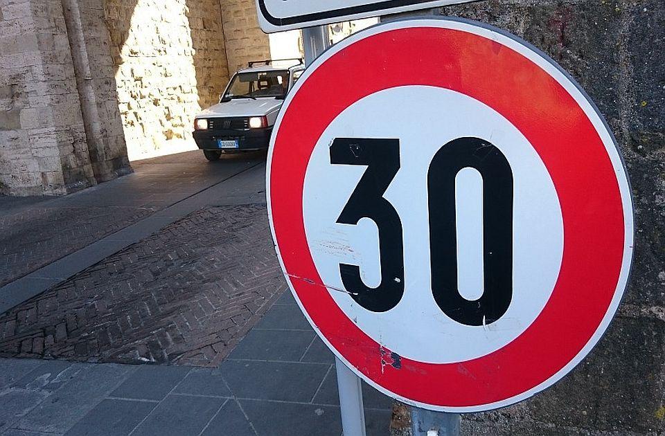 Španija drastično ograničava maksimalnu brzinu u gradovima