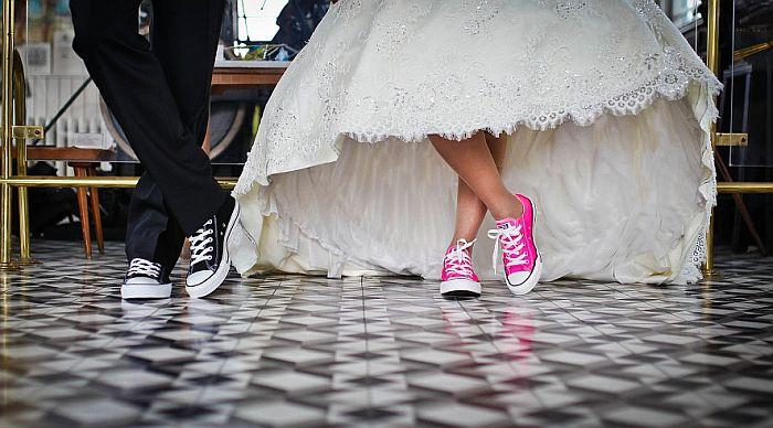 Britanski parovi moći će da upišu i majčino ime u svoje venčane listove