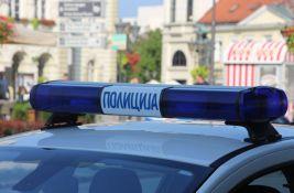 Divljanje u Beogradu: Vozilom oštetio šest parkiranih automobila, pa se prevrnuo