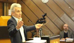 Transfer pred izbore: Novosadski odbornik iz DS-a prešao u SPS