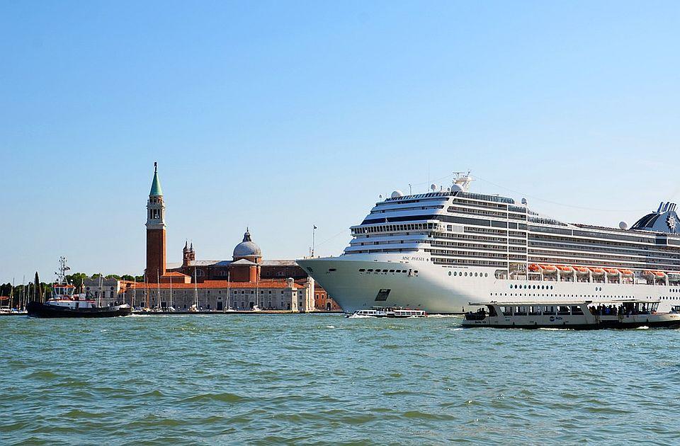 Venecija na listi ugroženih ako ne zabrani kruzere