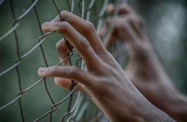 Poljska uhapsila aktiviste jer su sekli ogradu ka Belorusiji napravljenu od bodljikave žice