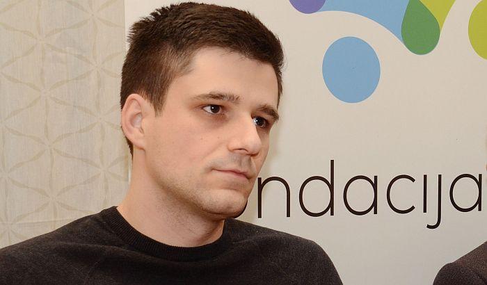 NDNV: Što pre otkriti ko je zloupotrebio identitet i pretio novinaru Stefanu Janjiću