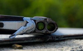 Meštanin sela kod Koceljeve hicem iz puške ubio nevenčanu suprugu