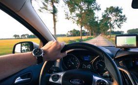 Profil srpskog vozača: Poštovanje ograničenja brzine mu je dosadno, vozi brzo da ne gubi vreme