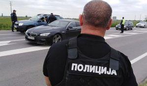 FOTO: Potraga za osumnjičenim za trostruko ubistvo, Novi Sad nadleću policijski helikopteri