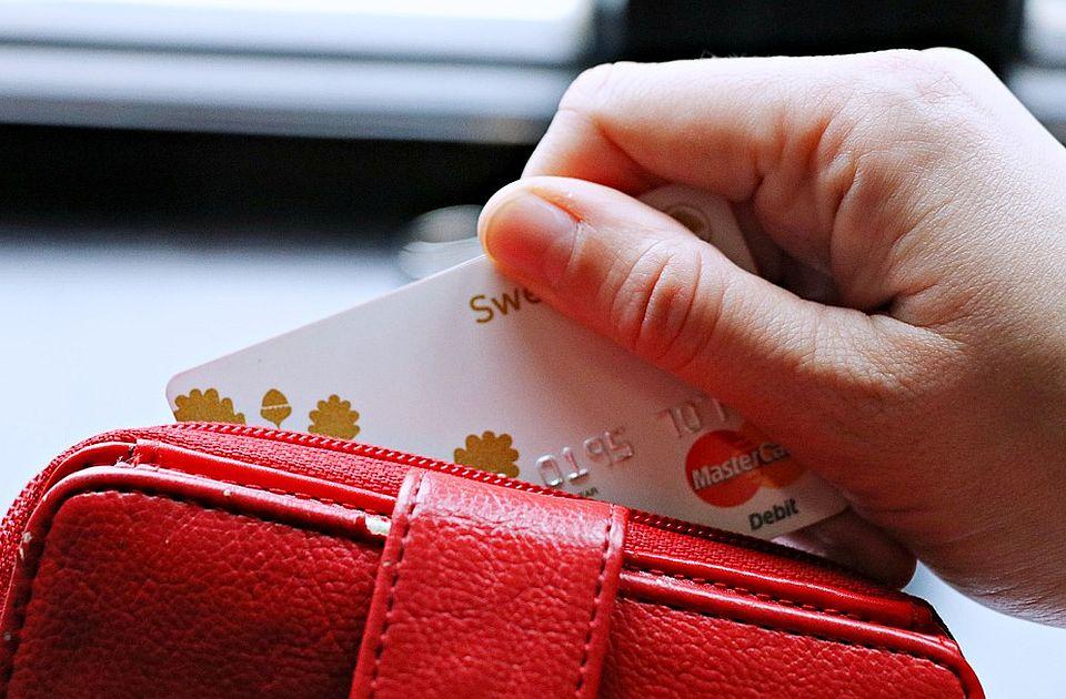 Poznanici ukrale karticu i sa bankomata podigle 27.000 evra