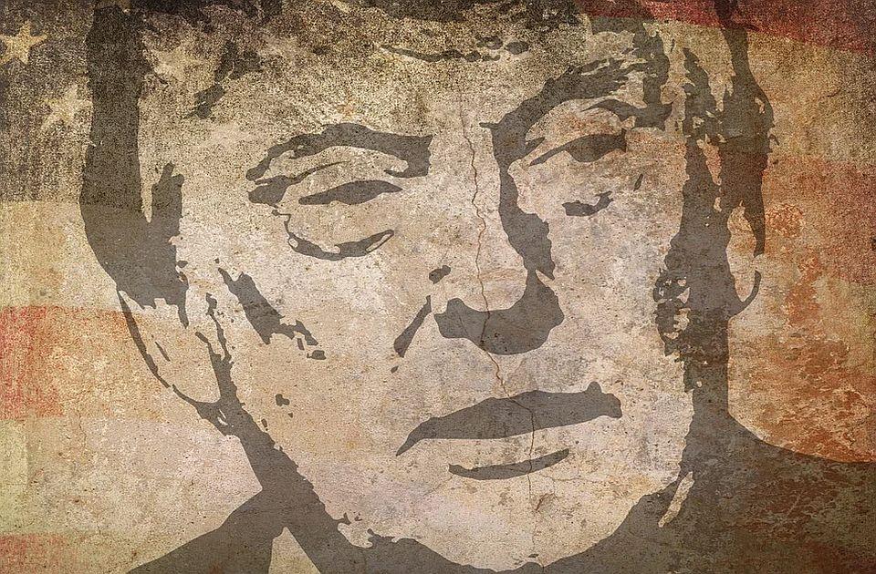 Zbog neobjavljivanja priče o Trampovoj ljubavnici kažnjen tabloid